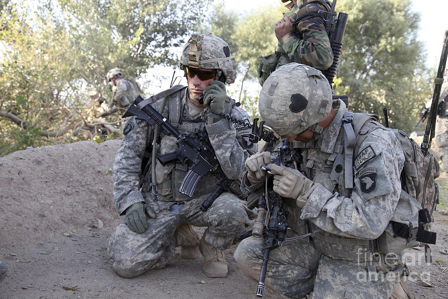 Transmitter Photograph - U.s. Army Soldier Radios In His Teams by Stocktrek Images