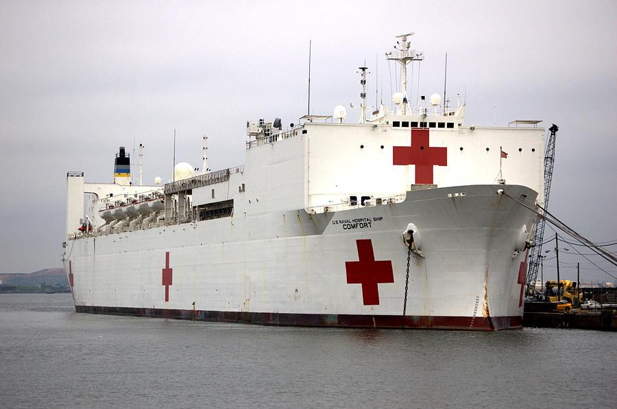 Ship Photograph - Usns Comfort  Baltimore Maryland by Wayne Higgs