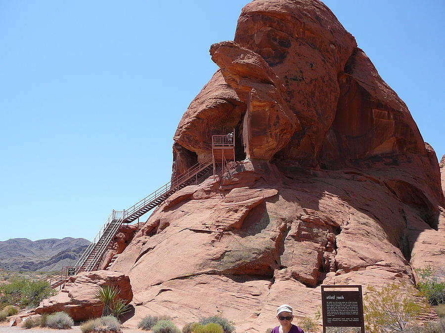 Valley Of Fire In Nevada Photograph by Joe Smiga
