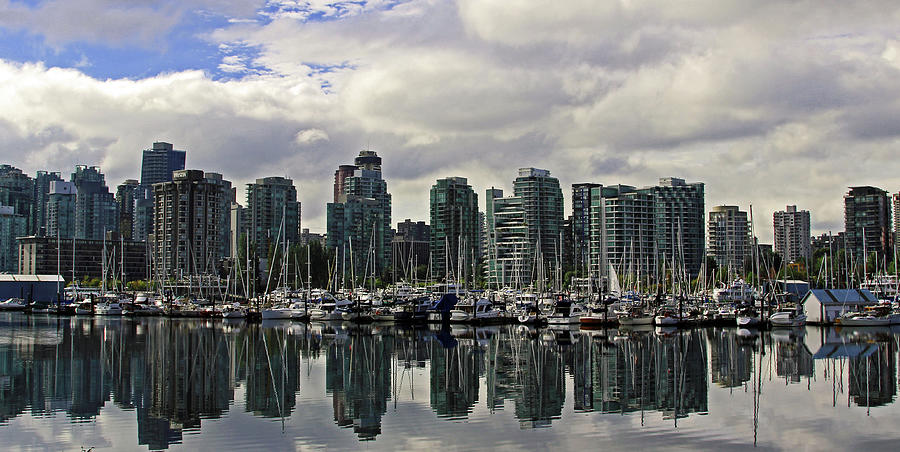 Vancouver Photograph - Vancouver Marina by Walter Fahmy