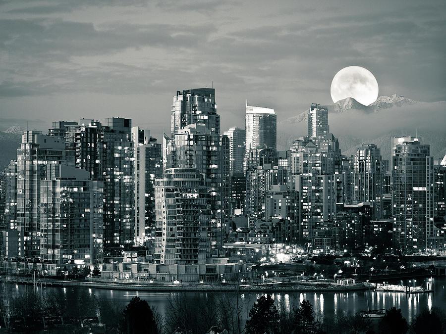 Horizontal Photograph - Vancouver Moonrise by Lloyd K. Barnes Photography