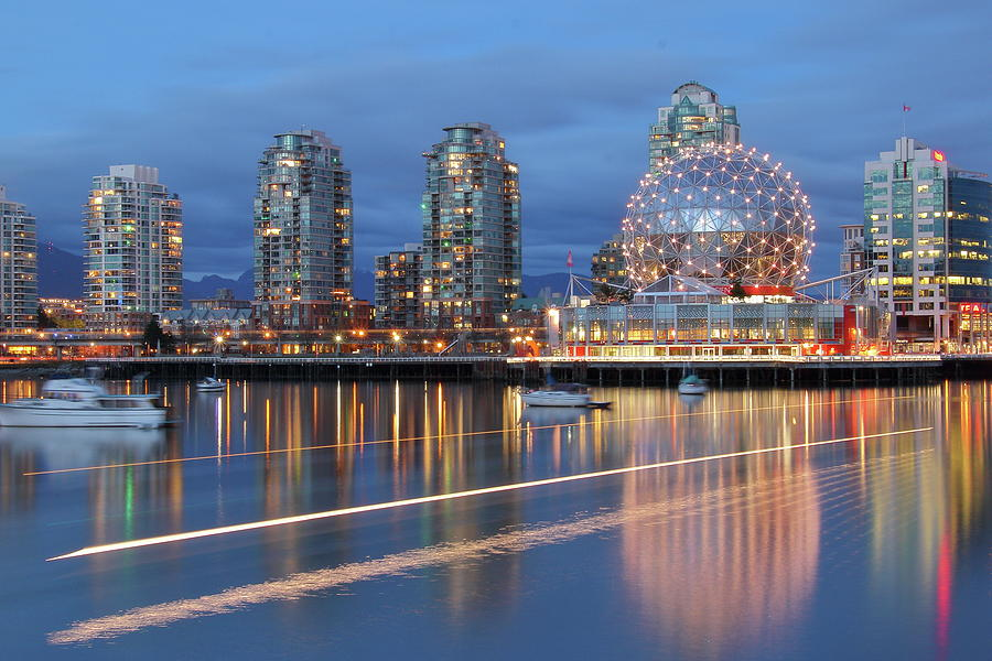 Vancouver Science World by Hagen Pflueger