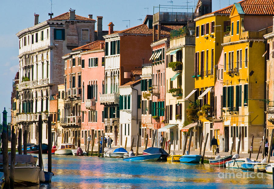 Venice 16 by Sheila Laurens