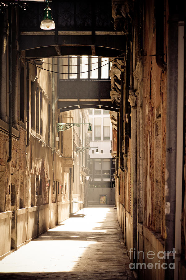 Venice alley 2 Photograph by Marc Daly