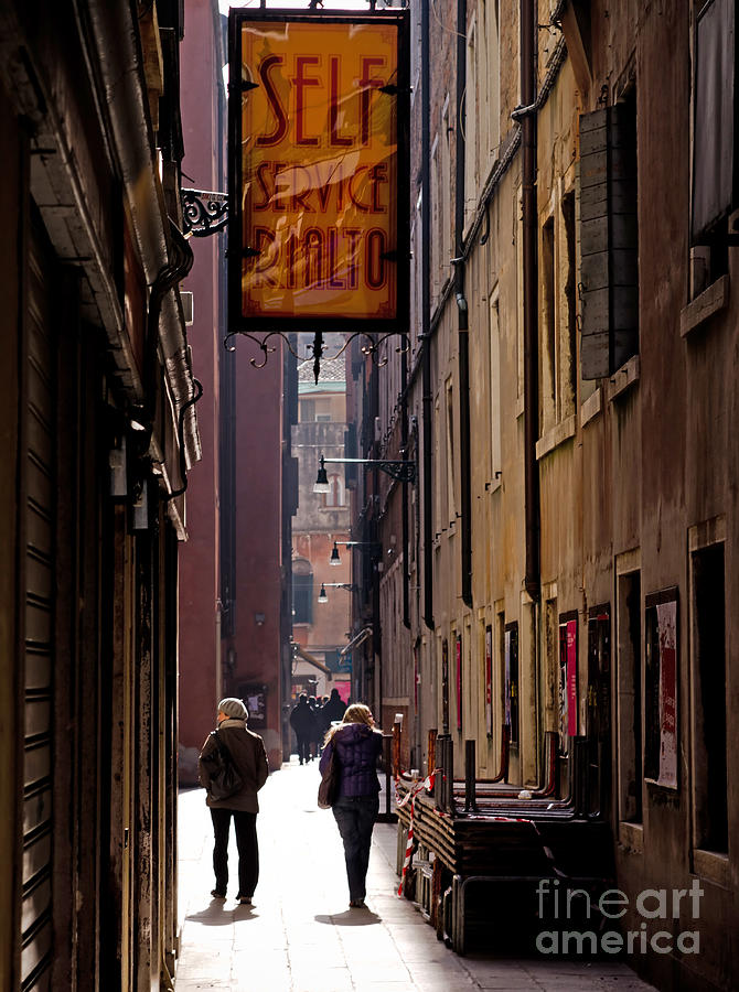 Venice alley Photograph by Marc Daly