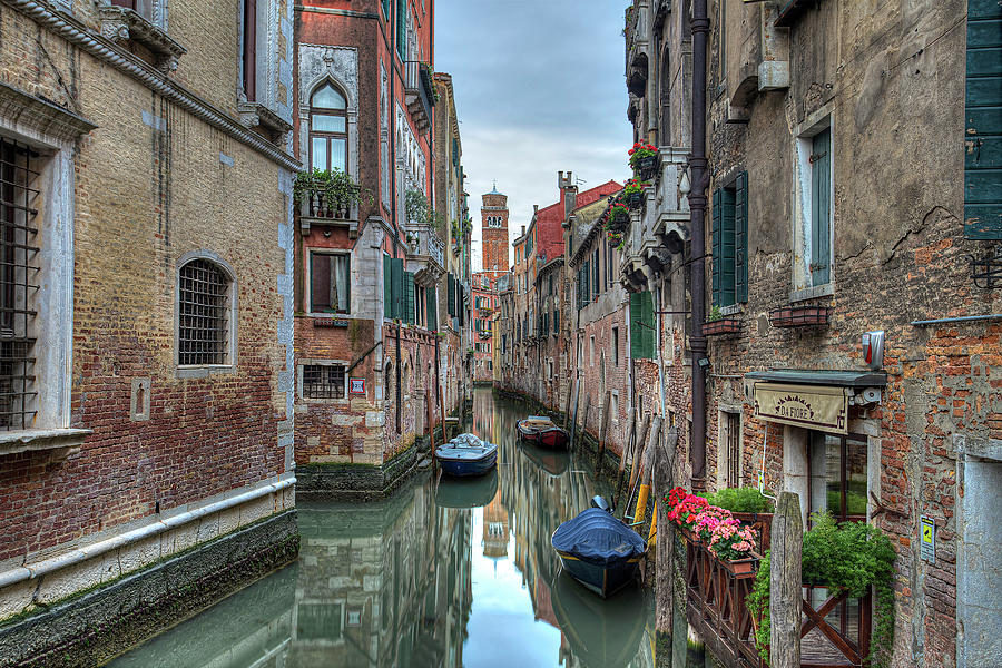 Venetian Morning by Peter Kennett