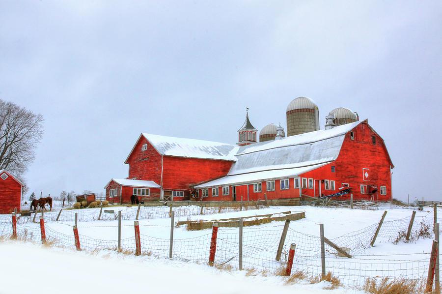 Vermont Barn by Sharon Batdorf