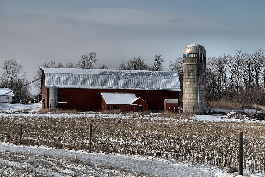 Vermont Barn by Wayne Toutaint