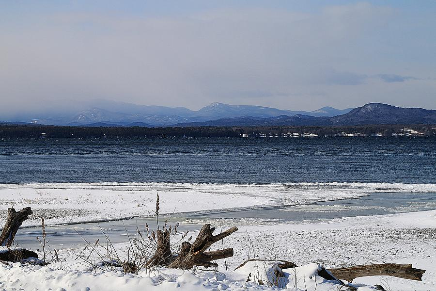 Vermont Winter Scenery 4 by Wayne Toutaint