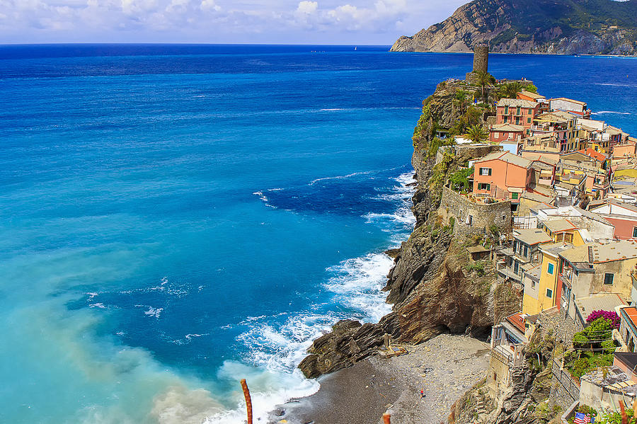 Italy Photograph - Vernazza by Rick Starbuck