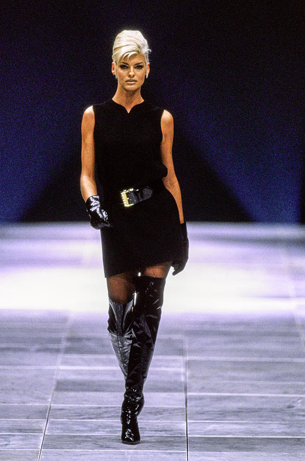 Versace Fall 1991 Rtw Show Photograph by Guy Marineau