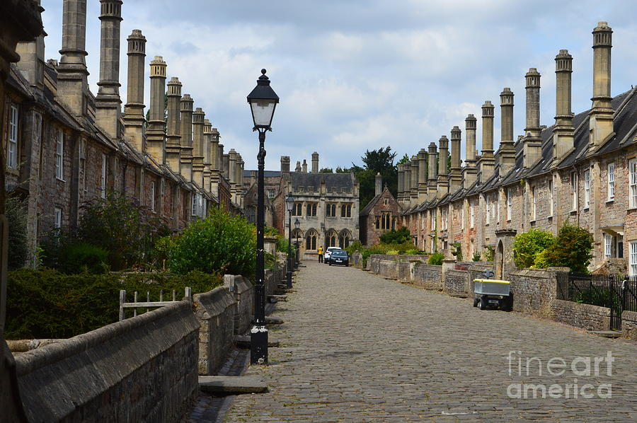 Wells Photograph - Vicars Close by Andy Thompson