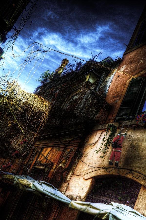 Rome Photograph - Vicolo Del Piede by Brian Thomson