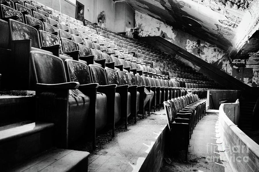 Victory Theatre, 1920-1979 Photograph by JMerrickMedia