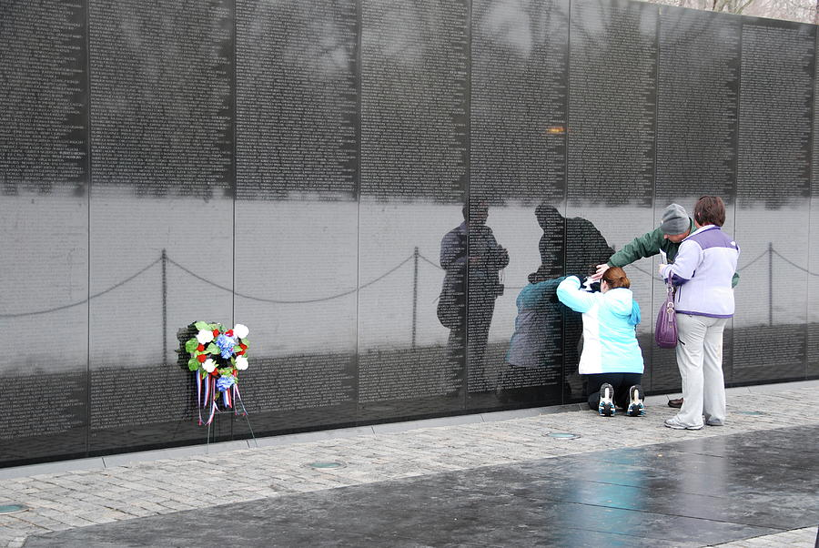 Vietnam Wall Family by Francis Chester