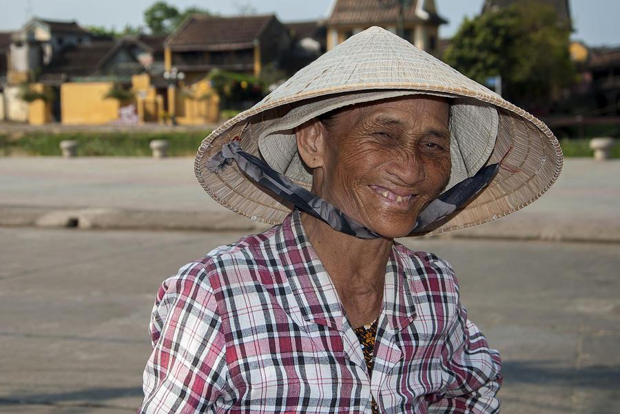 Vietnamese Street Vendor by Rob Hemphill