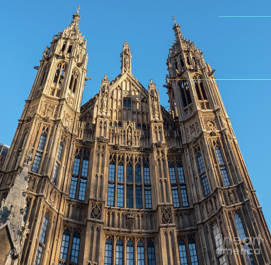 Downtown Photograph - View Of The Top Detail Of The Parlament House In London by PorqueNo Studios