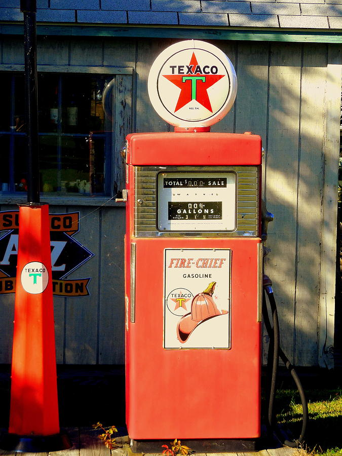 vintage old texaco fire chief gas pump 2 11 20 photograph by mark lemmon. Black Bedroom Furniture Sets. Home Design Ideas