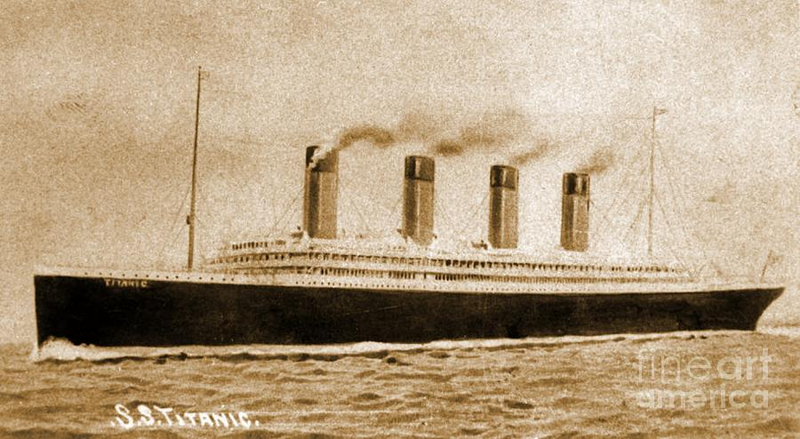 Vintage Titanic Postcard Photograph