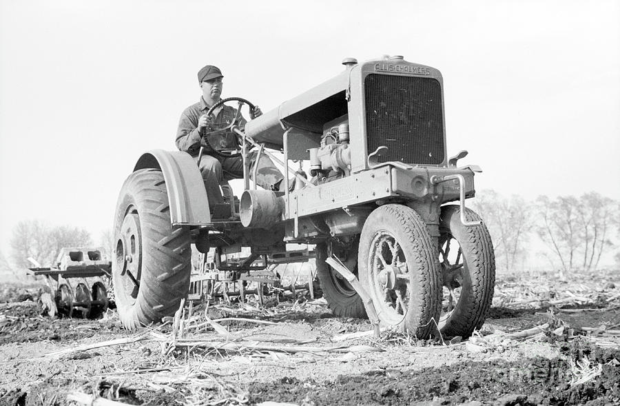 Vintage Tractor Allis Chalmers Photograph by Edward Fielding