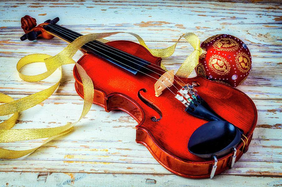 Christmas Violin.Violin And Christmas Ball