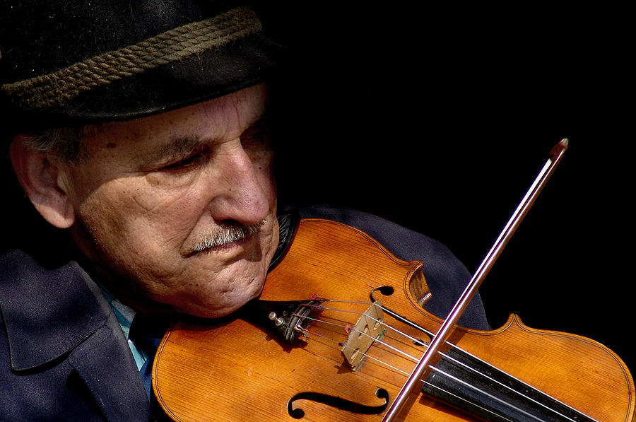Street Musician Photograph - Violin Player by Todd Fox