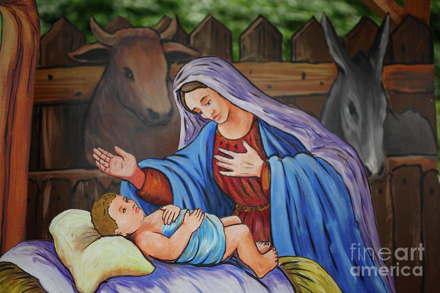 Creche Photograph - Virgin Mary And Baby Jesus by Gaspar Avila
