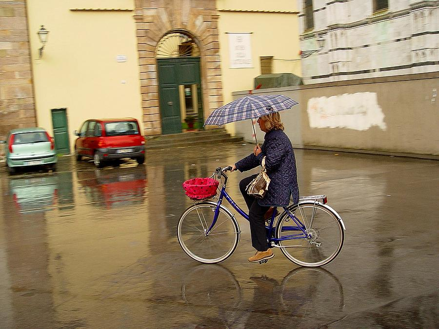 Rain Photograph - Visions Of Italy Lucca by Nancy Bradley