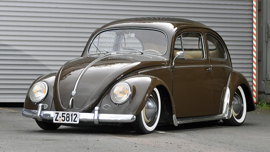 Volkswagen Beetle Digital Art - Volkswagen Beetle by Dorothy Binder