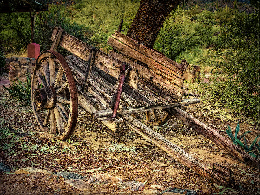 Tanque Verde Ranch Photograph - Wooden Cart  At Tanque Verde Ranch by Sandra Selle Rodriguez