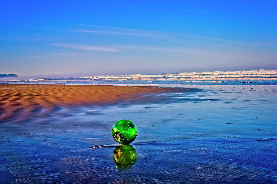 Waldport Photograph - Waldport Oregon - Float The Ocean by Image Takers Photography LLC - Laura Morgan