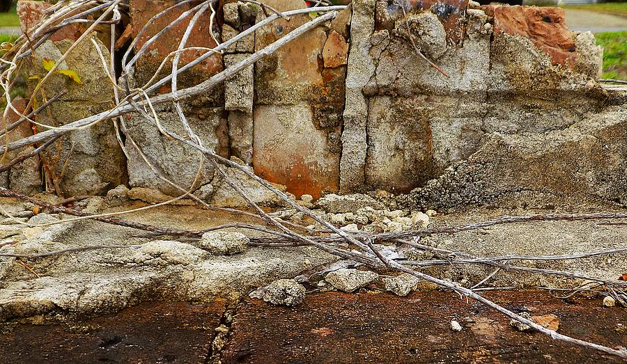 Abstract Photograph - Foto Excavation # 0977 by Jeffrey Morrison