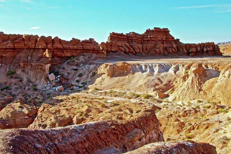 Utah Photograph - Wall Of Goblins In Carmel Canyon Trail In Goblin Valley State Park, Utah by Ruth Hager