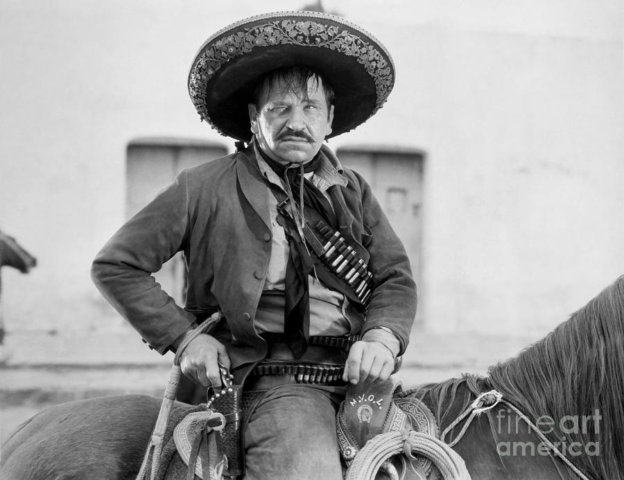 20th Century Photograph - Wallace Beery (1885-1949) by Granger