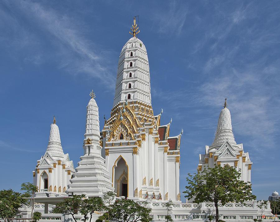 Bangkok Photograph - Wat Phitchaya Yatikaram Prangs Dthb1186 by Gerry Gantt