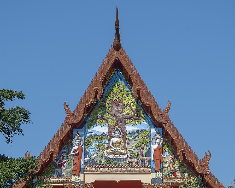 Temple Photograph - Wat Pho Samphan Phra Ubosot Gable Dthcb0066 by Gerry Gantt