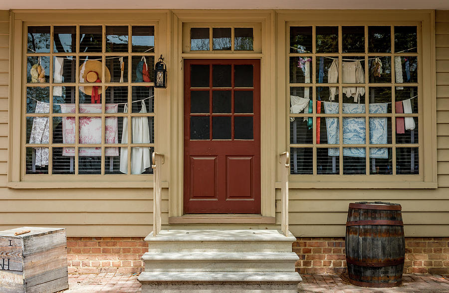Waters Storehouse Colonial Williamsburg by Susie Weaver