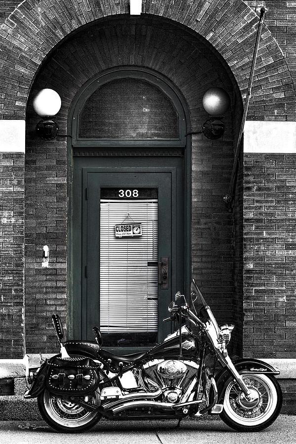 Harley Davidson Photograph - Waynes Harley by Jeff Swanson