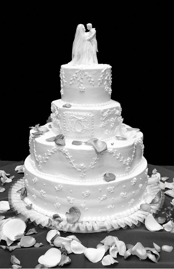 Wedding Photograph - Wedding Cake by Marilyn Hunt
