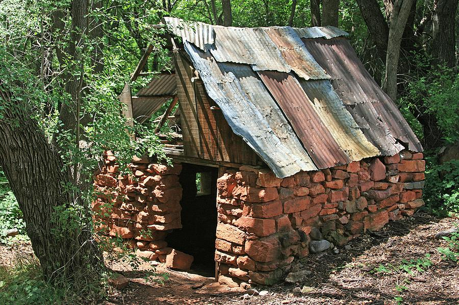 Cabin Photograph - Well Ventilated by Gary Kaylor