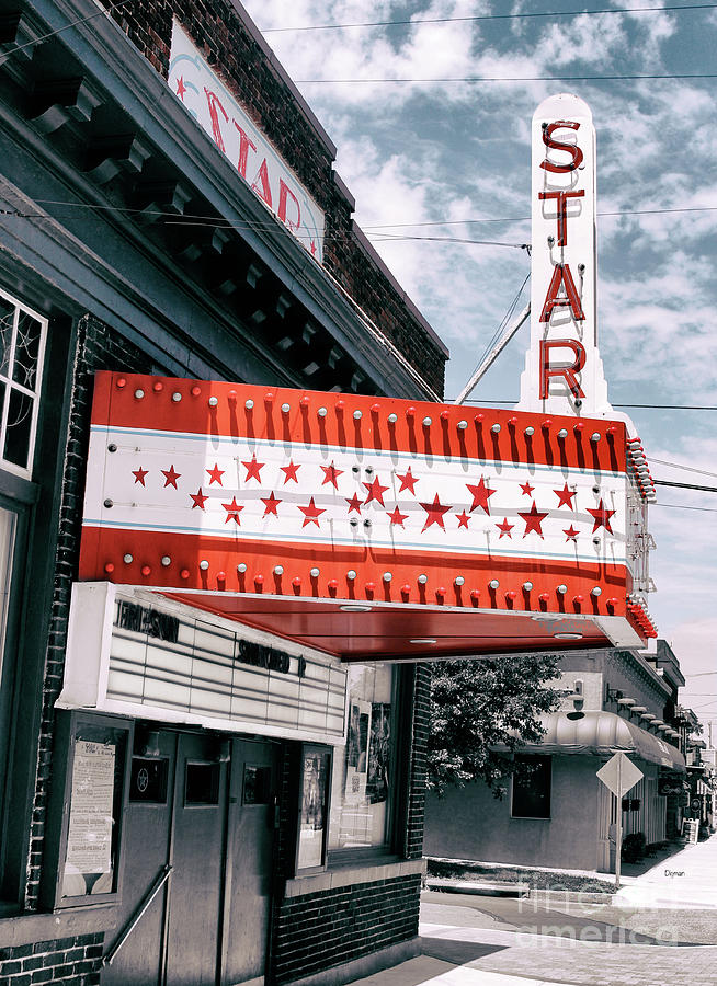 Theaters Photograph - West Virginia Star  by Steven Digman