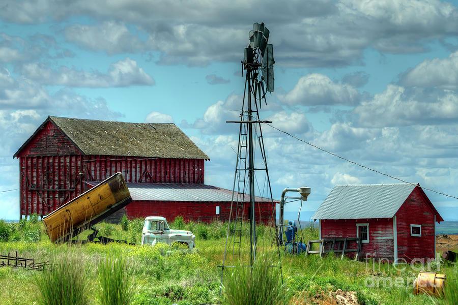 Barn Photograph - Western Farm by Rick Mann