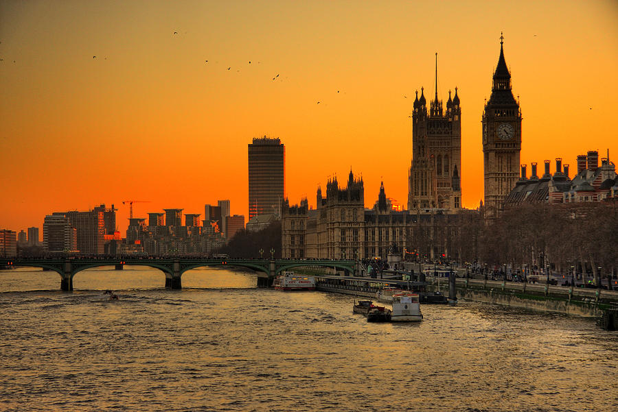 Horizontal Photograph - Westminster & Big Ben London by Photos By Steve Horsley