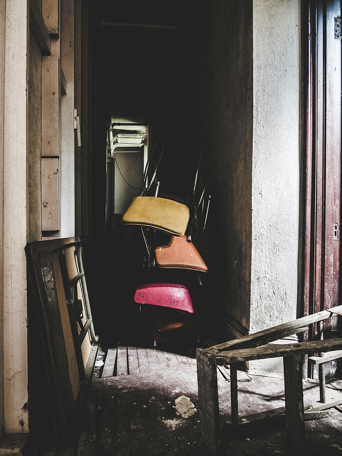 Abandoned Photograph - What A Mess. Hallway In Abandoned Building. by Dylan Murphy