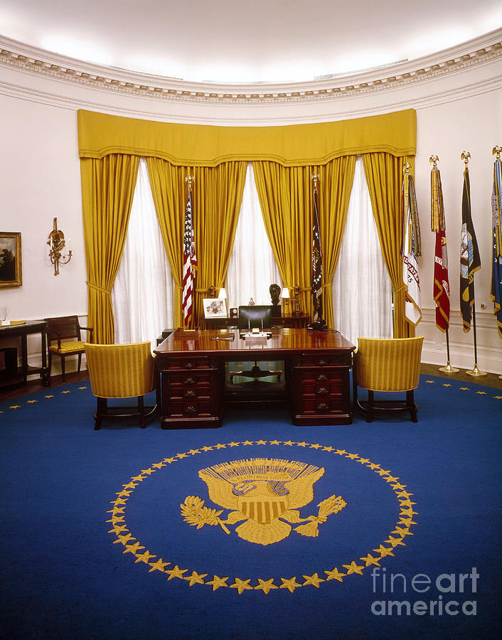 1970 Photograph - White House: Oval Office by Granger