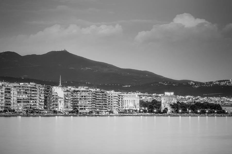 Cityscape Photograph - White Tower Of Thessaloniki by Ioannis Vasilakakis