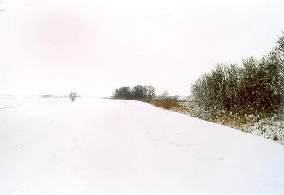 Pure Photograph - Whitelandscape by Gerard van den Berge
