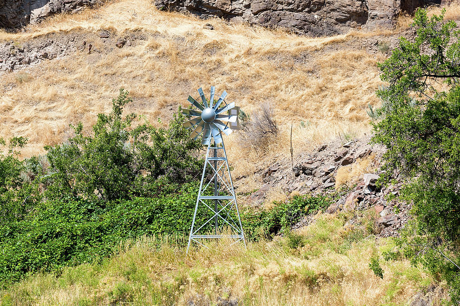 Windmill Photograph - Windmill Aerator For Ponds And Lakes by David Gn