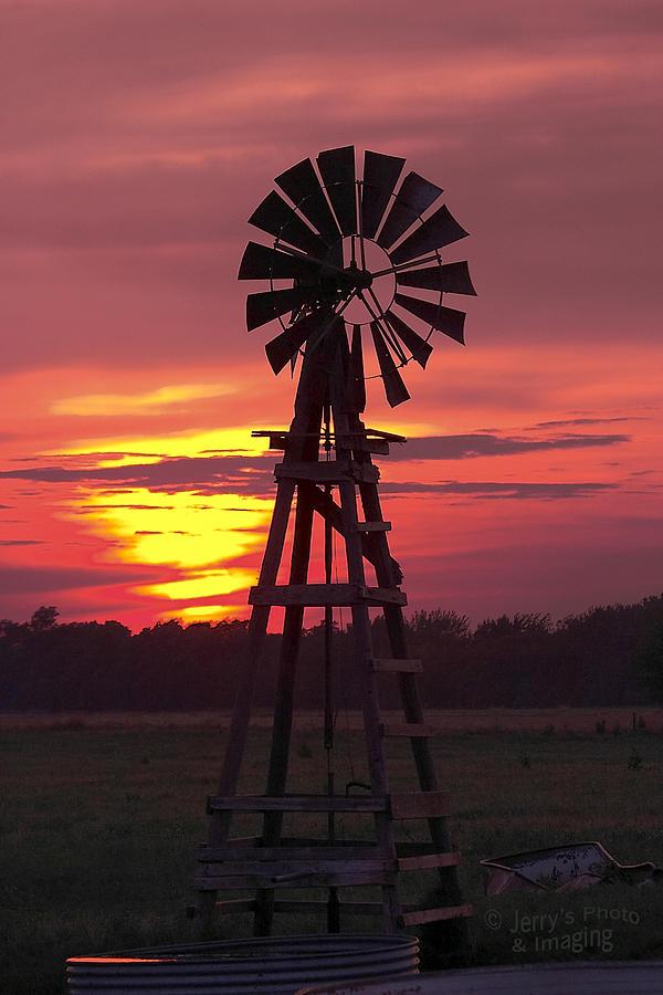 Windmill Photograph - Windmill Sunset by Jerry Segraves