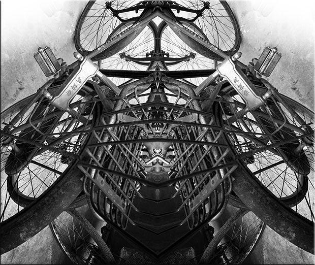 Abstract Photograph - Winter-01 by Yehan Wang
